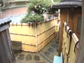民宿に泊まりに来た巨乳お姉さん3人組と混浴!!